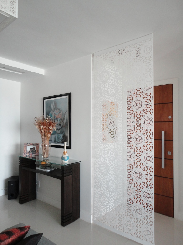 Biombos decorativos cheap biombo en madera de roble decape con vistas de paris y tela - Biombos casa home ...