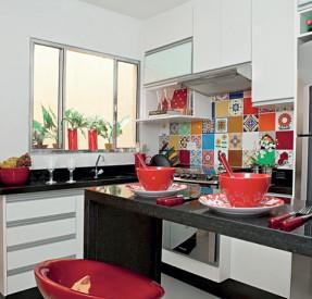 cozinha-colorida-azuleijos-decoracao